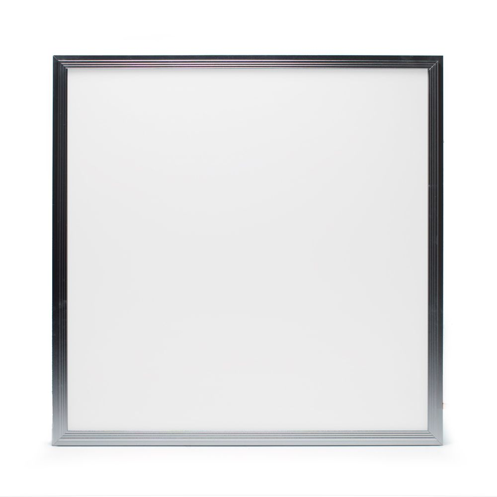 LED panel 595x595x12,5mm vit 40W 3000K 3800lm DALI eller on/off. IPklass:IP20/IP65.  Finns även i utförande 4000K 3600lm.